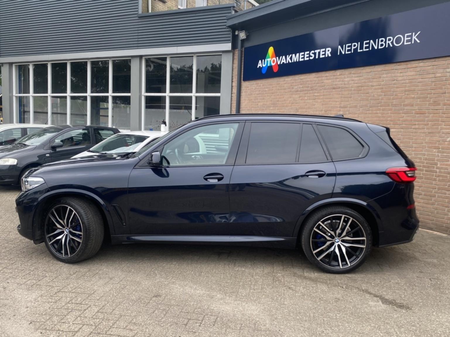 BMW-X5-53