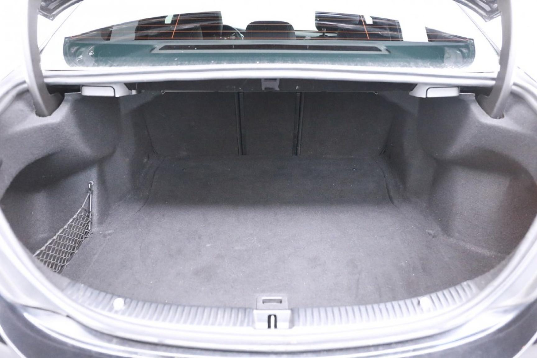 Mercedes-Benz-C-Klasse-44