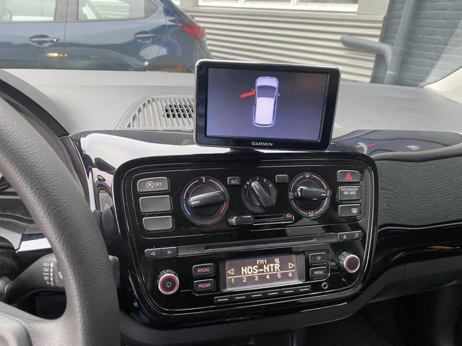 Volkswagen-up!-10