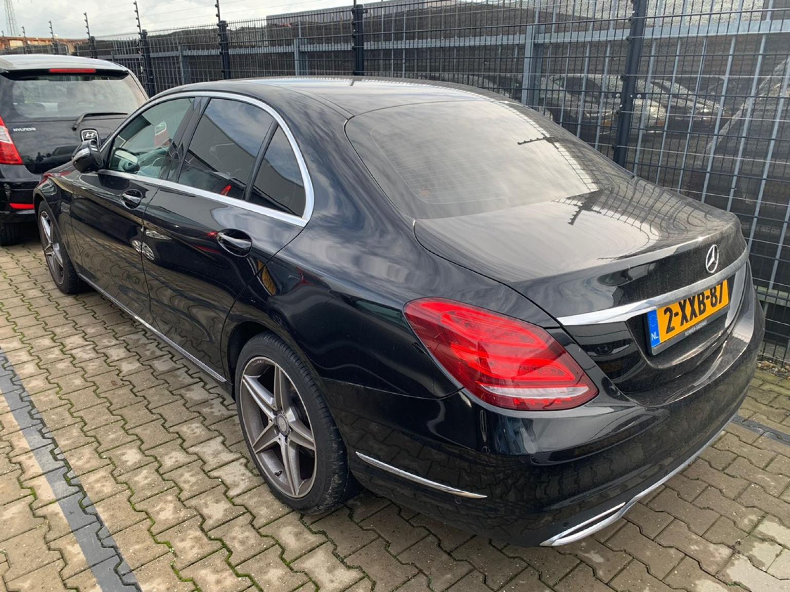 Mercedes-Benz-C-Klasse-30