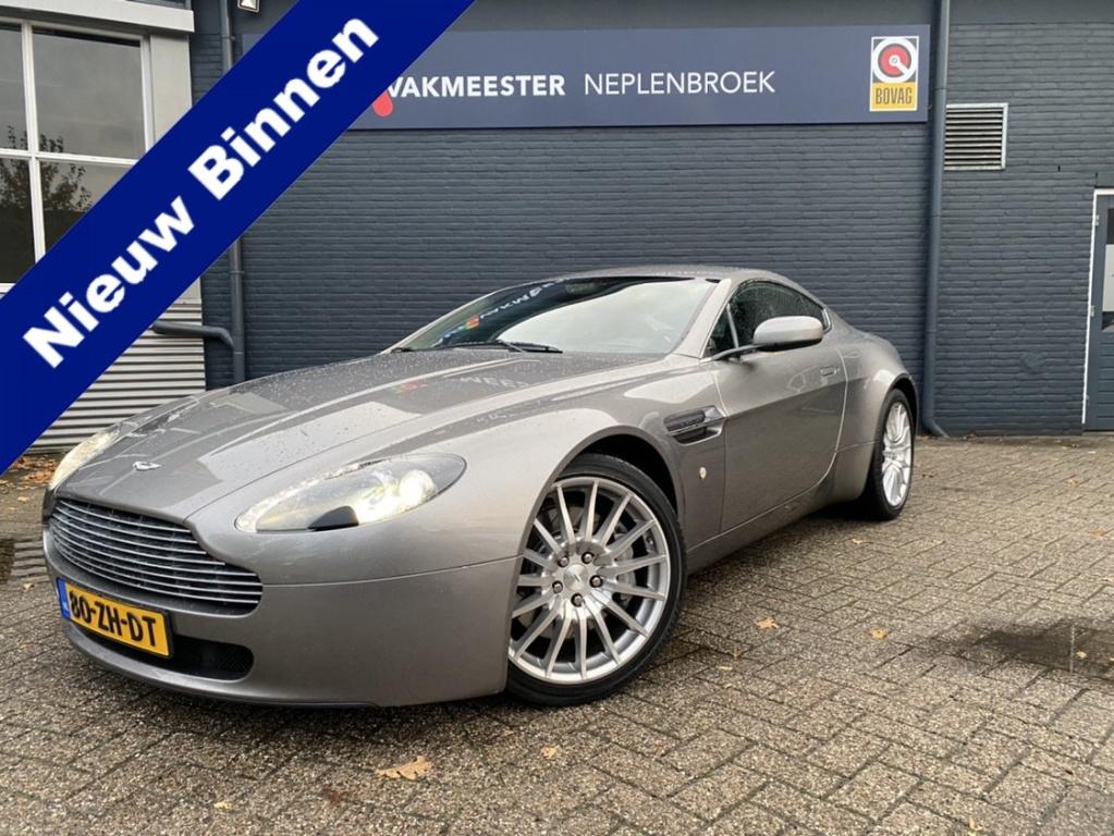 Aston Martin-V8 Vantage-thumb