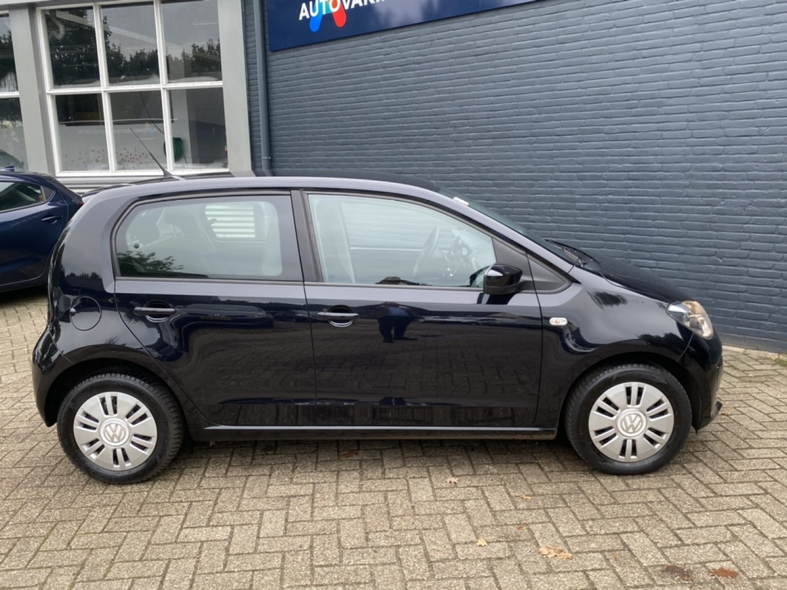 Volkswagen-up!-3
