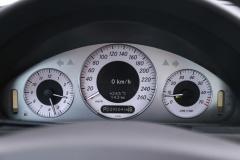 Mercedes-Benz-E-Klasse-16