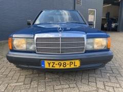 Mercedes-Benz-190-4