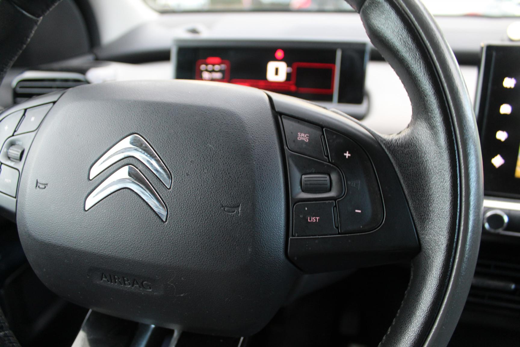 Citroën-C4 Cactus-12