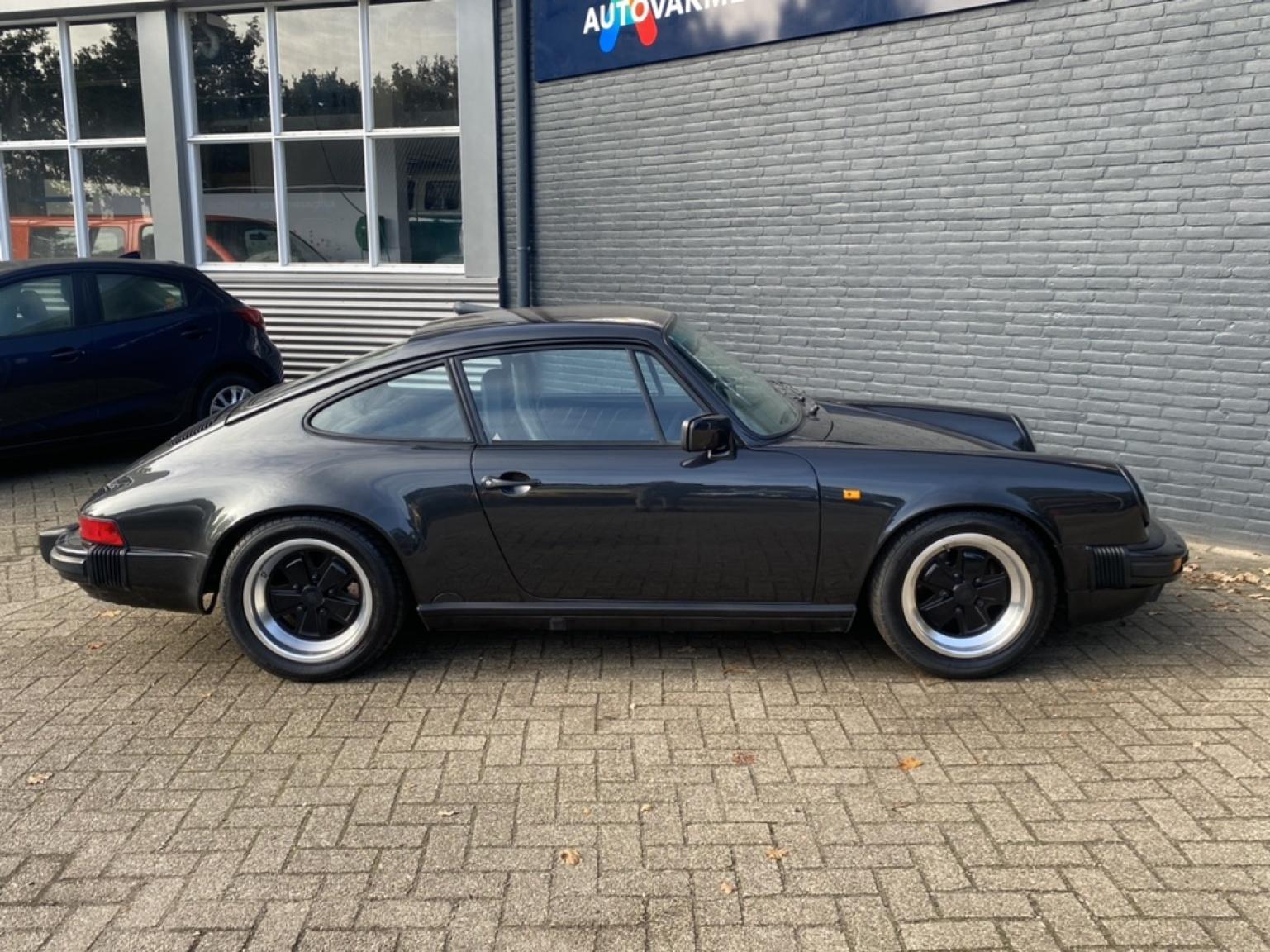 Porsche-911-3