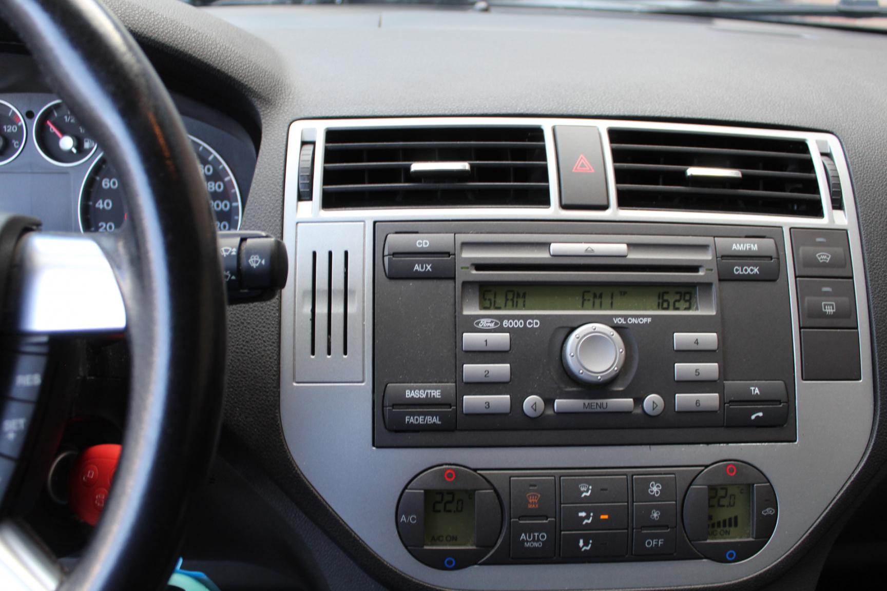 Ford-Focus C-MAX-9