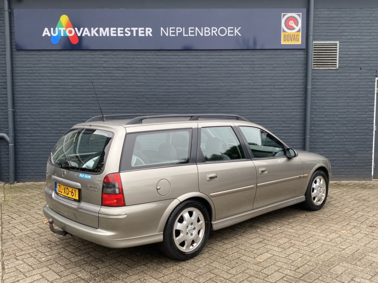 Opel-Vectra-1