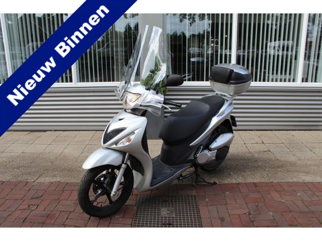 Suzuki-SIXteen 150
