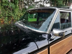 Jeep-Wagoneer-22