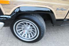 Jeep-Wagoneer-35