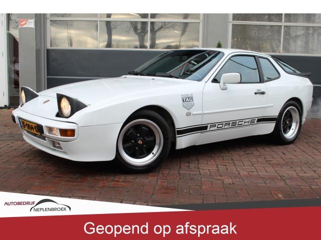 Porsche-944
