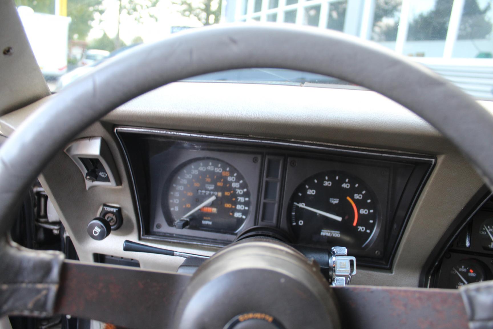 Chevrolet-Corvette-21