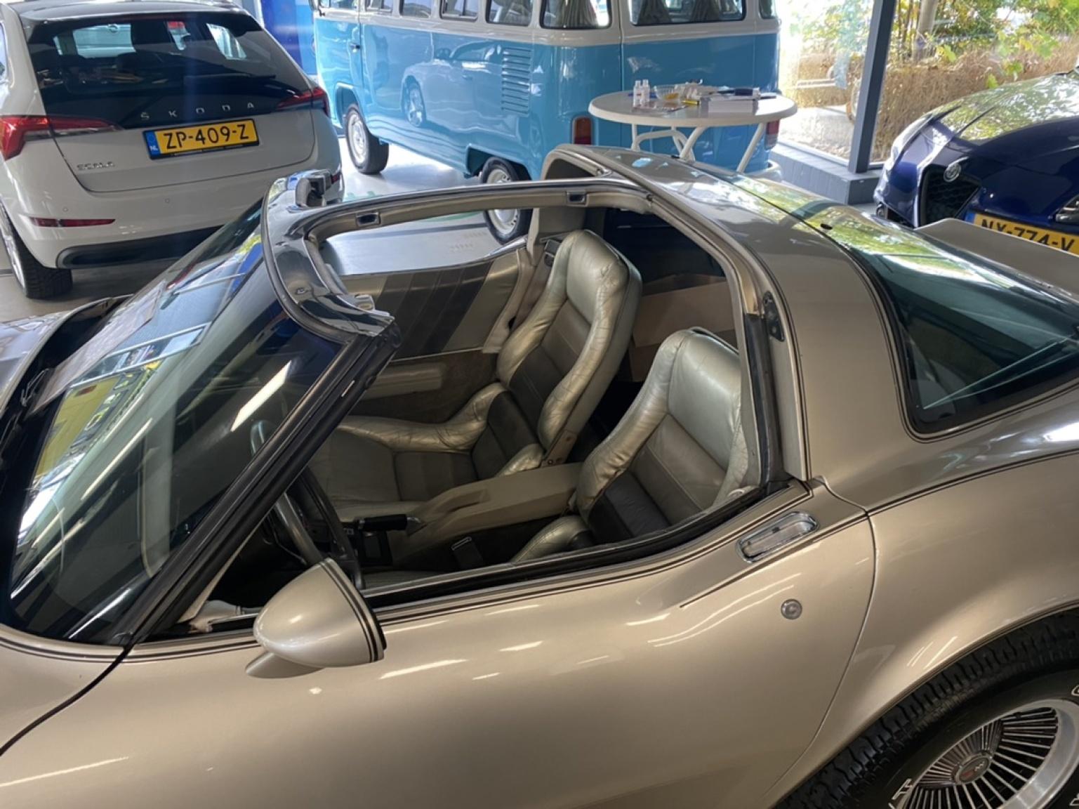 Chevrolet-Corvette-36