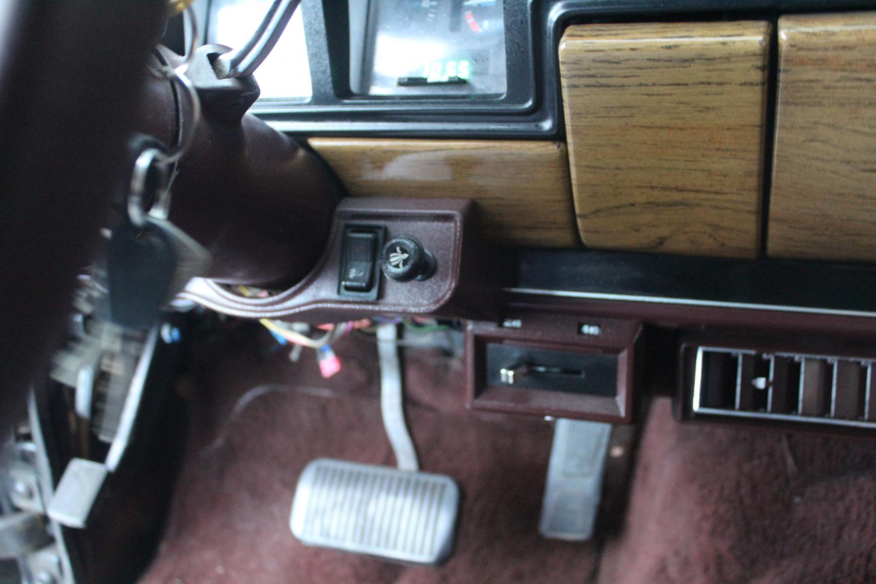 Jeep-Wagoneer-39