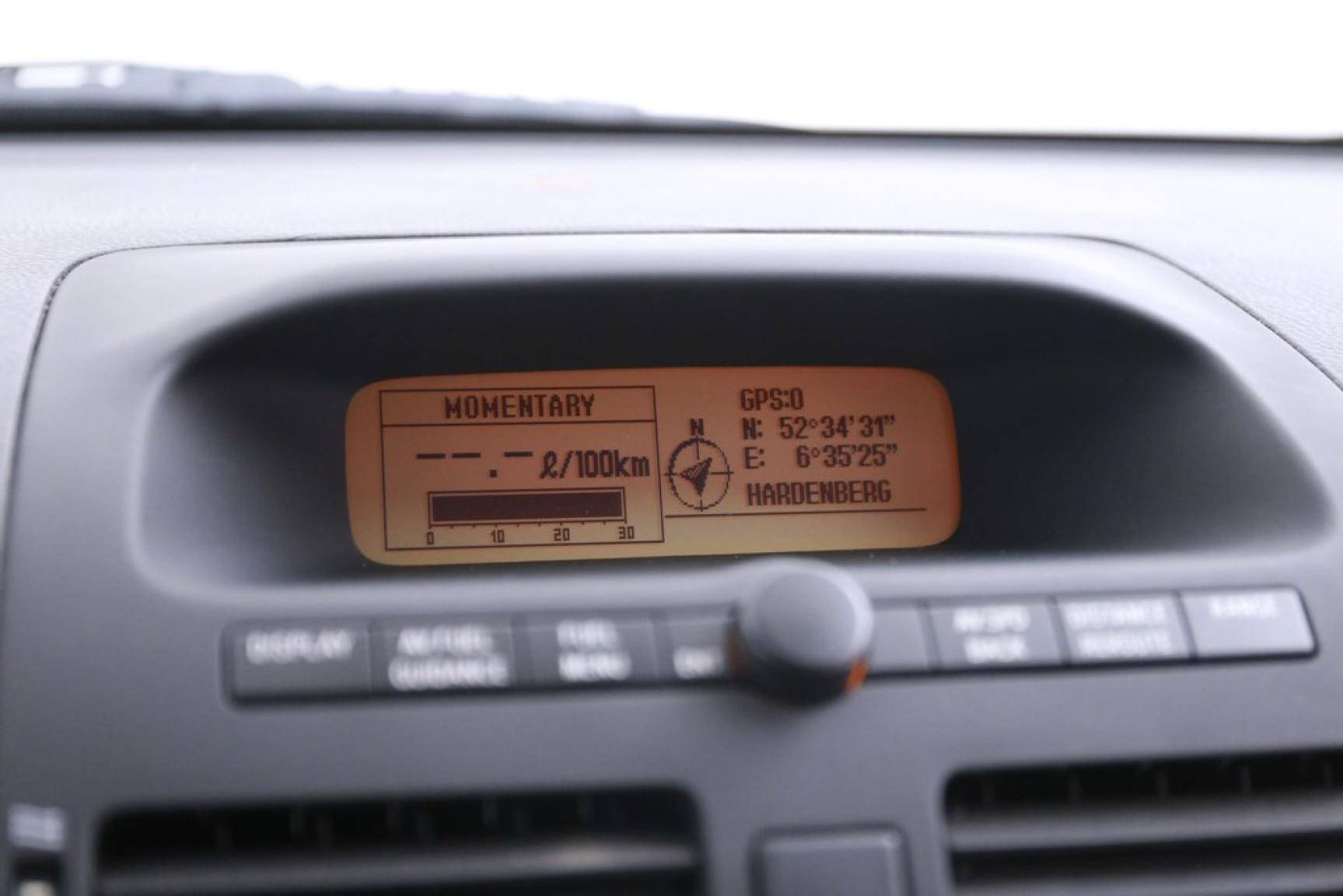 Toyota-Avensis-10