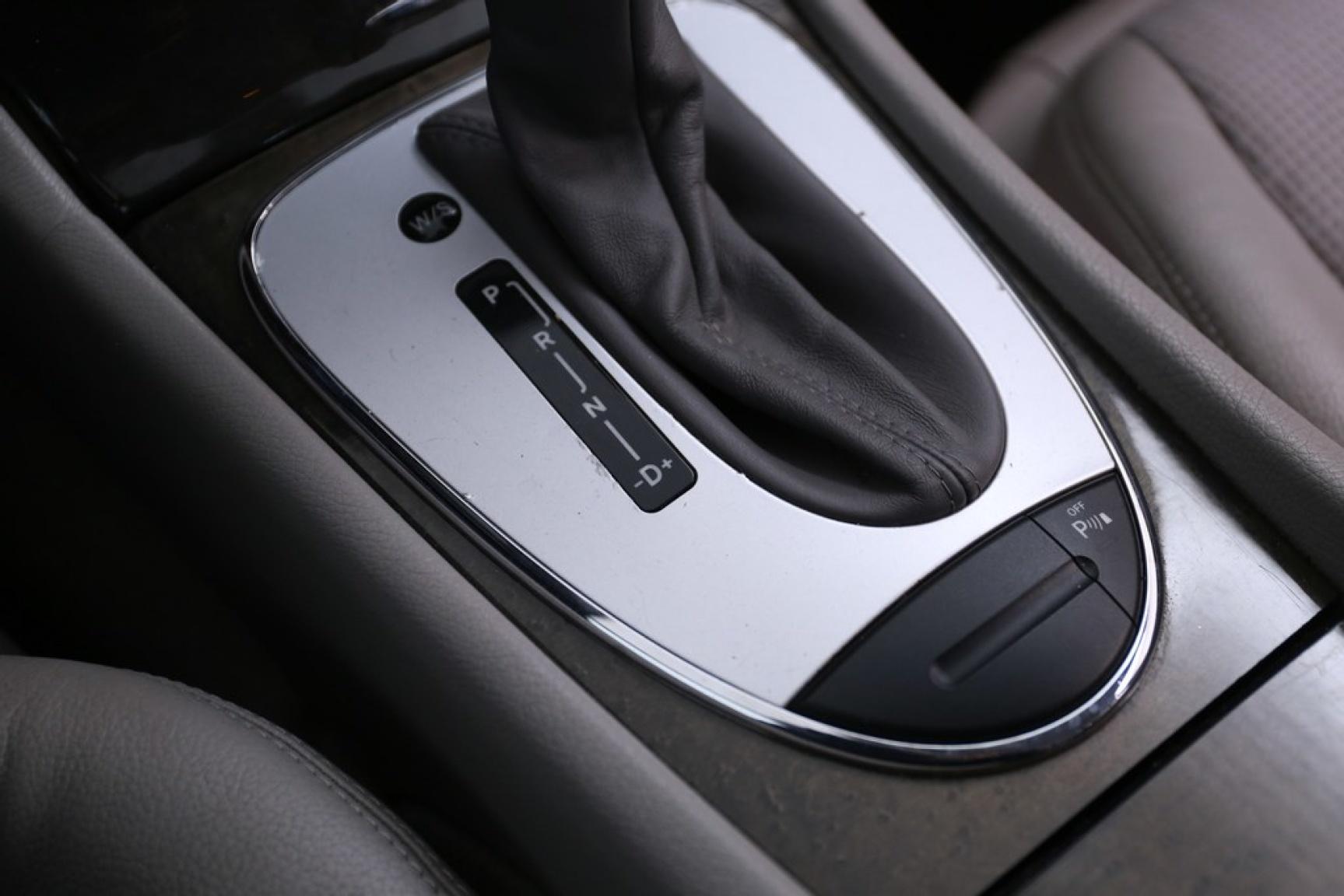 Mercedes-Benz-E-Klasse-12