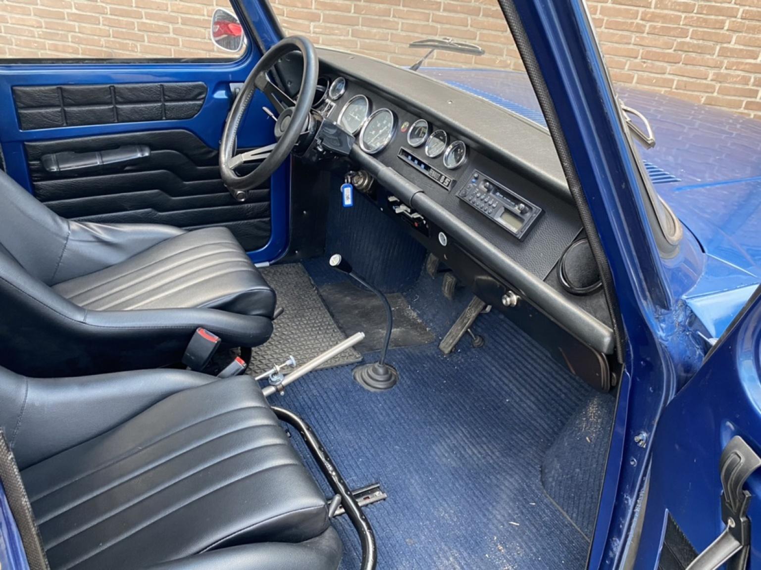 Renault-R 10 1192 (1970)-12