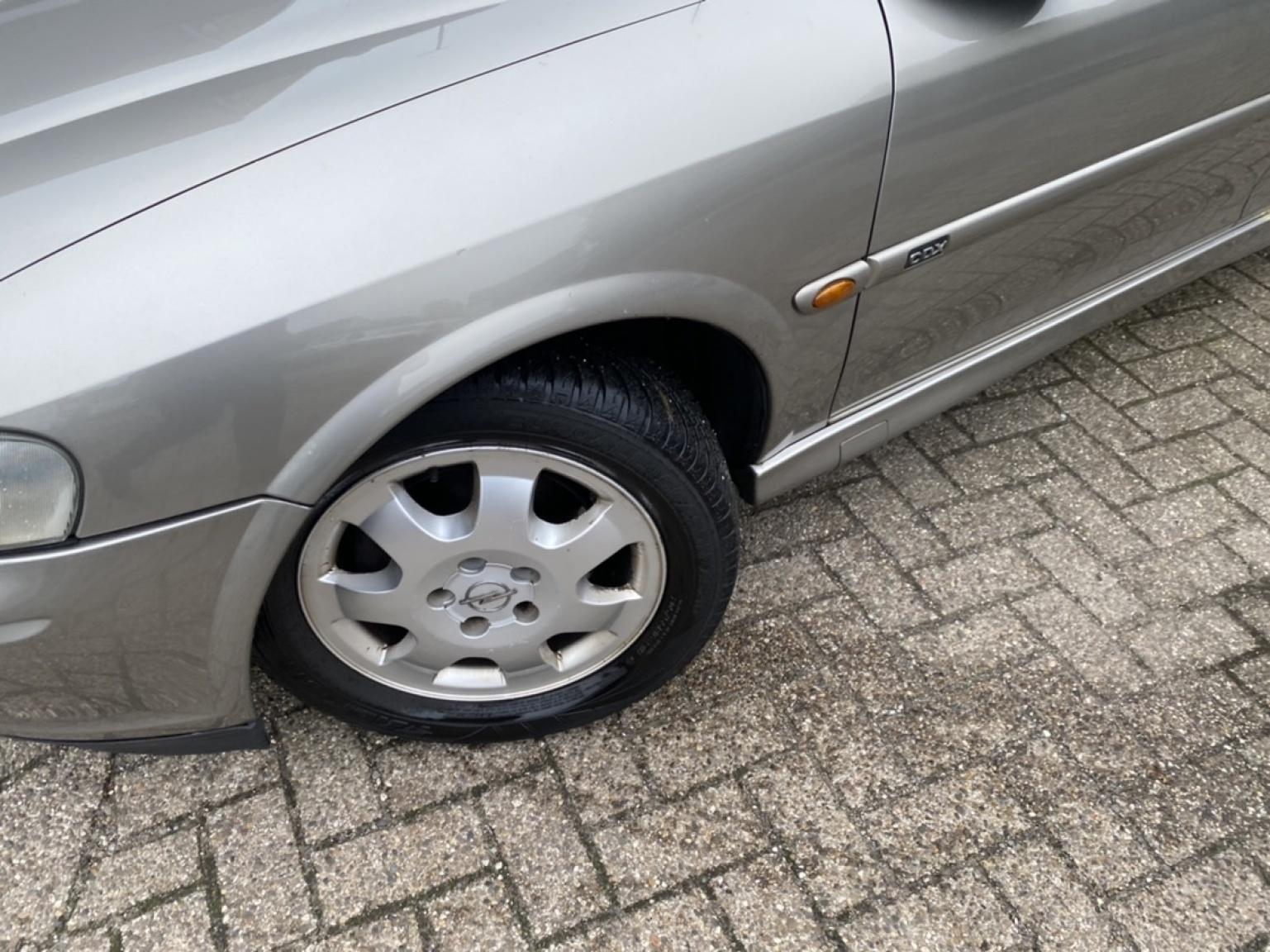 Opel-Vectra-19
