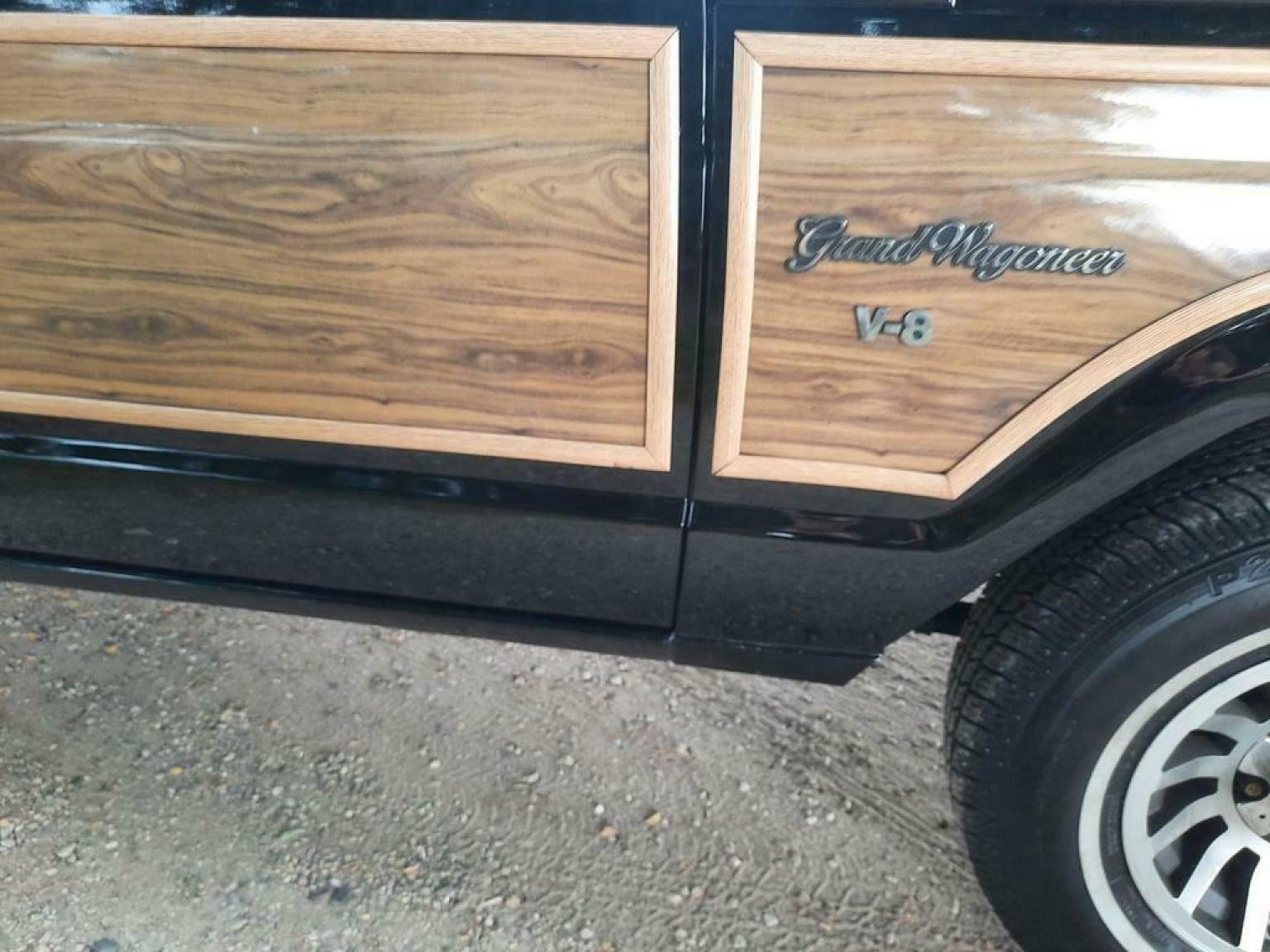 Jeep-Wagoneer-17