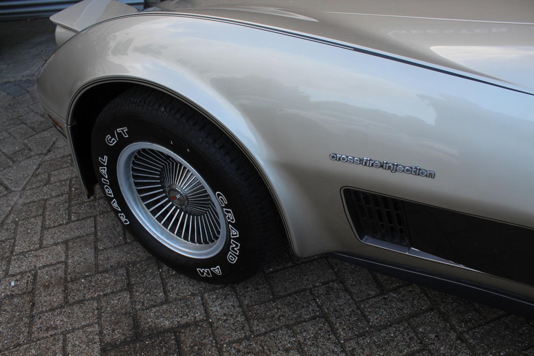 Chevrolet-Corvette-34