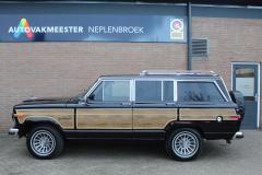 Jeep-Wagoneer-2